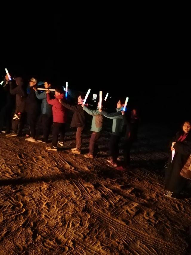 向世界展现不一样的中国少年|88公里 3天2夜戈壁徒步赛基石中学全员走完全程!