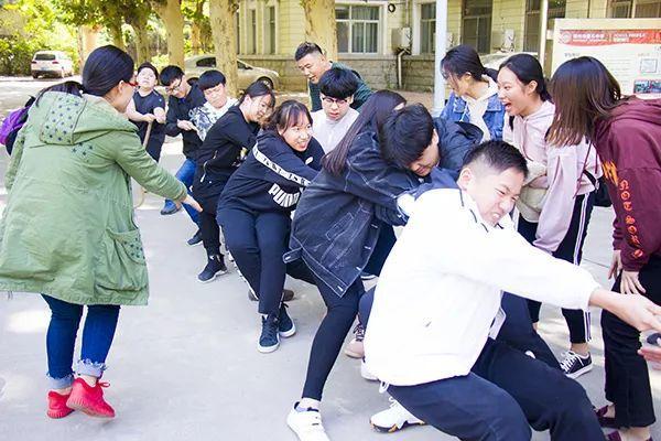 家校联手为成长加油|郑州基石中学召开高一年级期末家长会