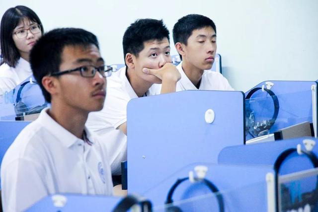 将来留学世界一流大学高中三年要做什么,国际高中班新生导学课给你答案