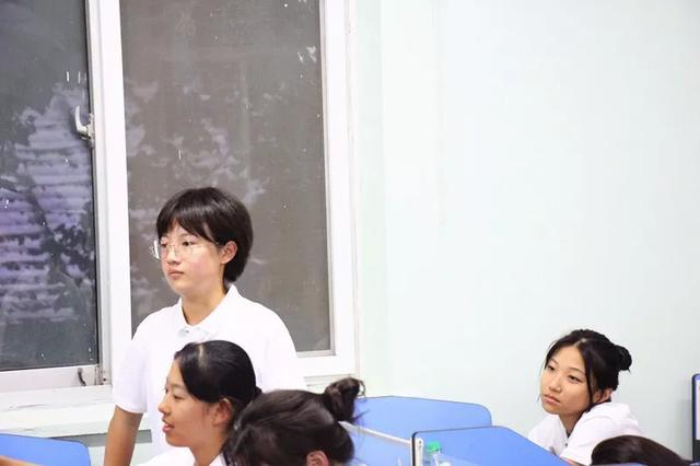 优秀校友回母校开讲座激励学弟学妹,互动交流中感受榜样的力量